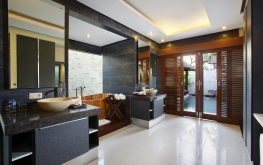 Did you mean: kamar mandi mewah di canggu 26/5000 luxury bathroom in Canggu villa